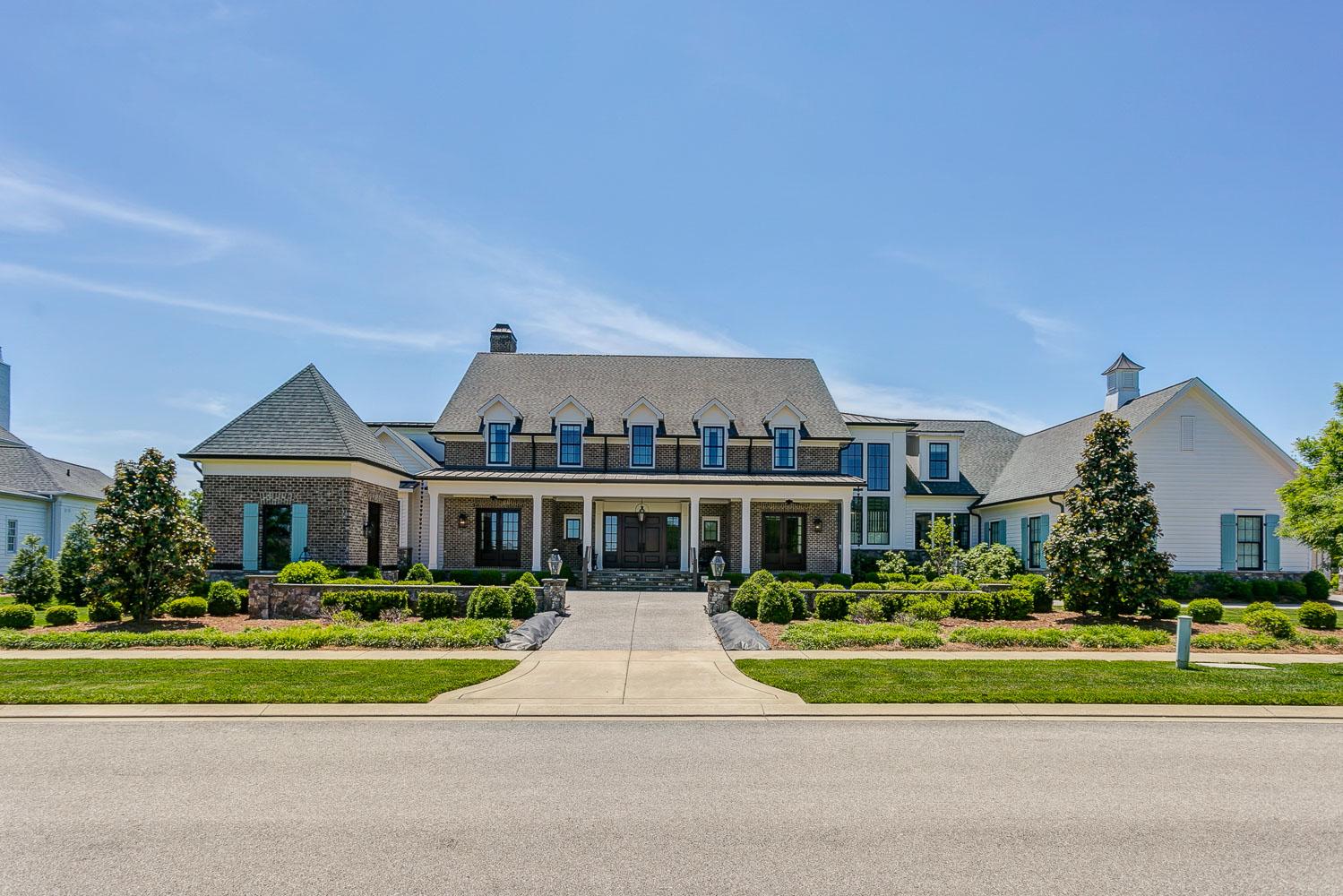 luxury nashville homes for sale